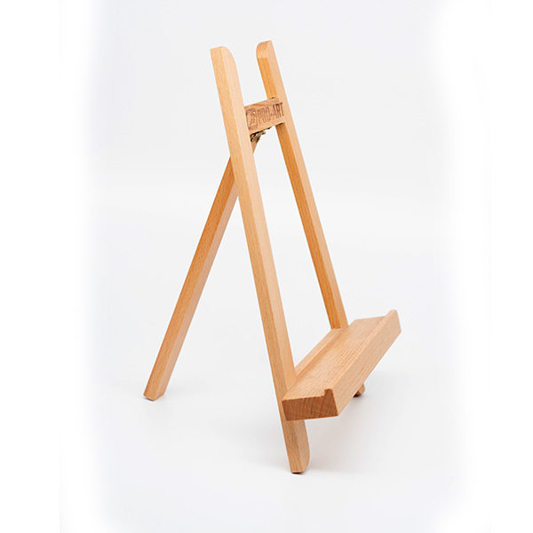 Small-Display-Easel-side-front-view-02