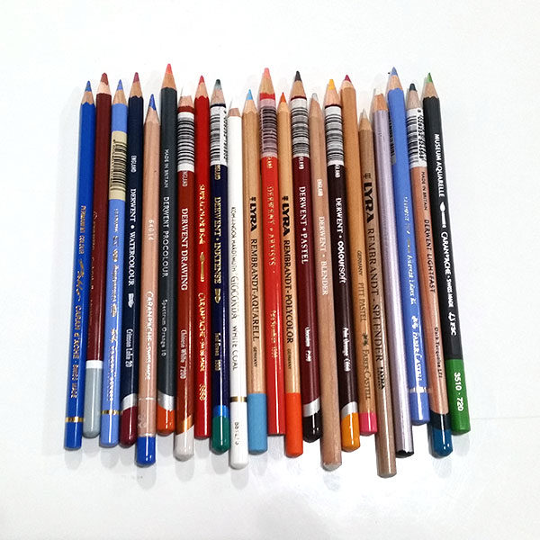 Premium-Pencil-Sampler-Box-Pencils-Laid-Out