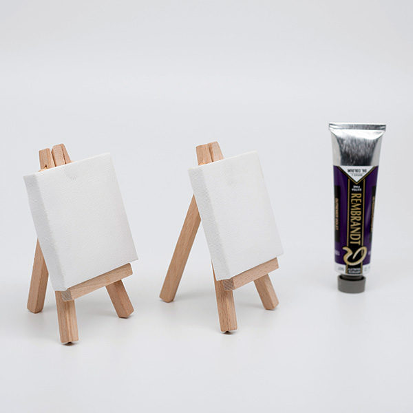 Prime-Art-Pocket-Canvas-Easles-with-a-rembrandt-oil-tube-next-to-them