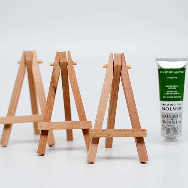 Prime-Art-3-Pocket-Easels-with-a-winton-oil-paint-tube