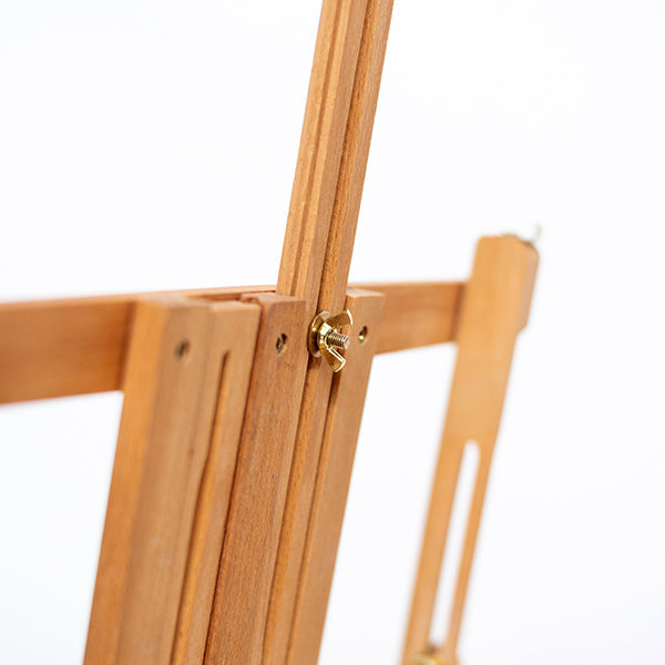 Renoir-Table-Box-Easel-close-up-of-back-tightning-screw