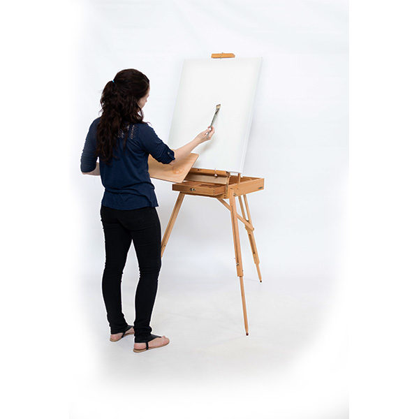 Wooden-French-Box-Style-Easel-being-used-by-artist