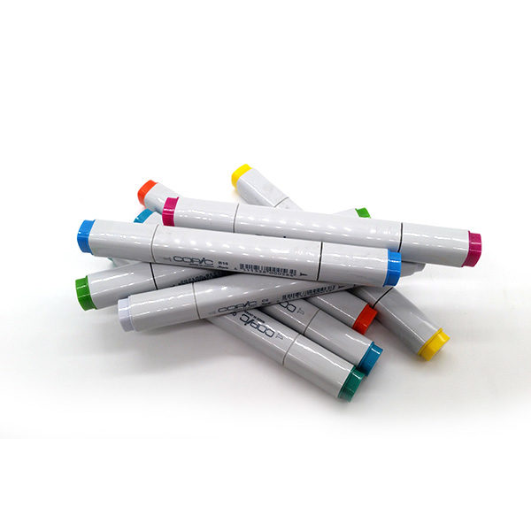 Copic-Classic-Markers-stacked-on-each-other-01