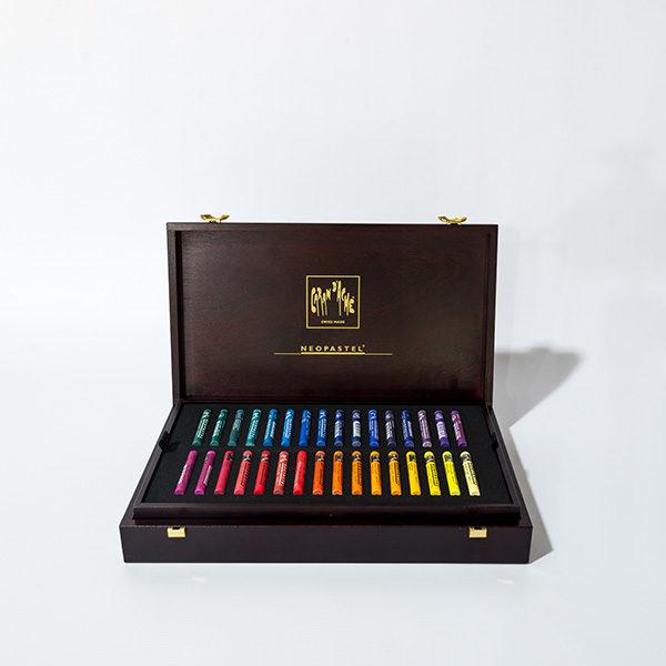 caran-dache-neopastel-96pc-wooden-box-set-open-2