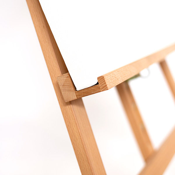 Bamboo-Easel-KB785-Close-up-of-Rack-with-canvas-on-it