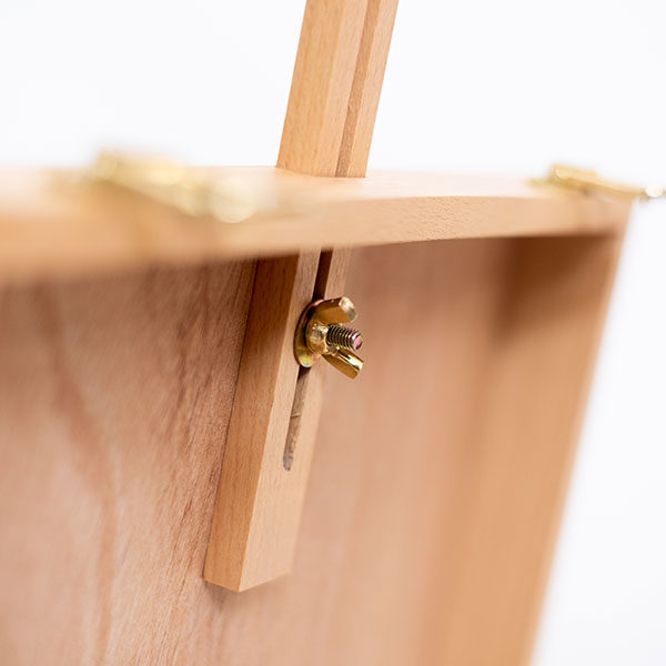 Easel-Beech-KB30-closeup-view-of-arm