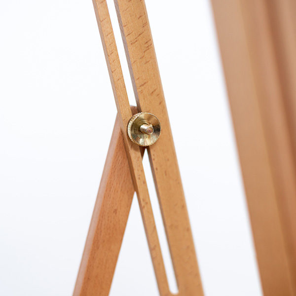 KB2003-Beech-Easel-Side-View-with-tightening-screw