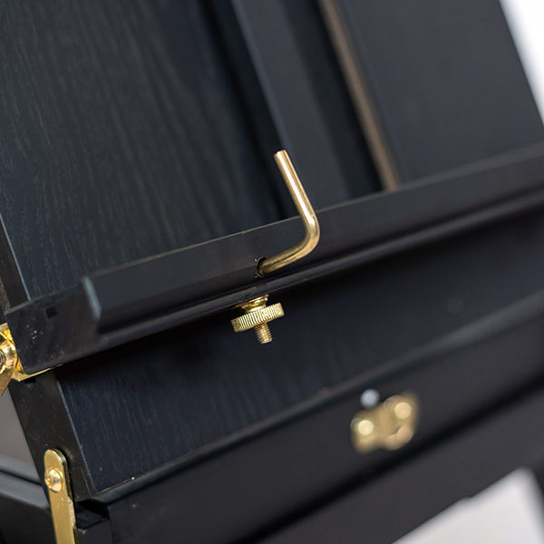 Mont-Marte-Black-French-Box-Easel-close-up