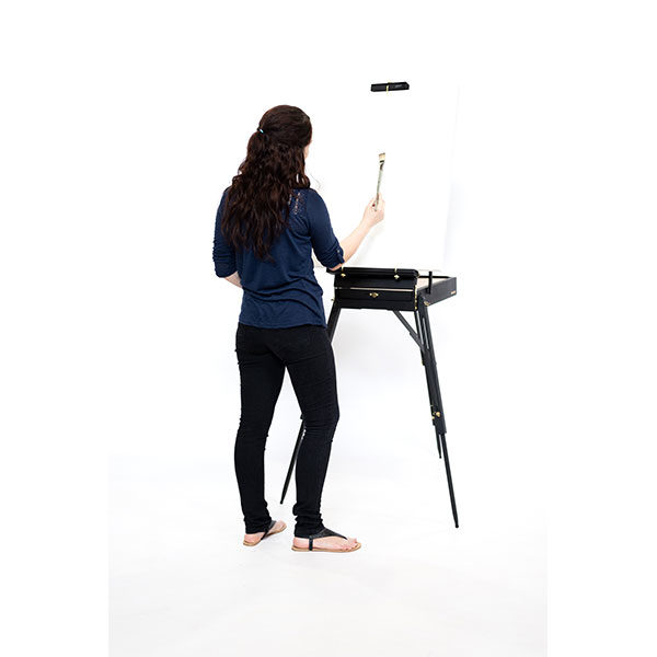 Mont-Marte-Black-French-Box-Easel-with-model-painting