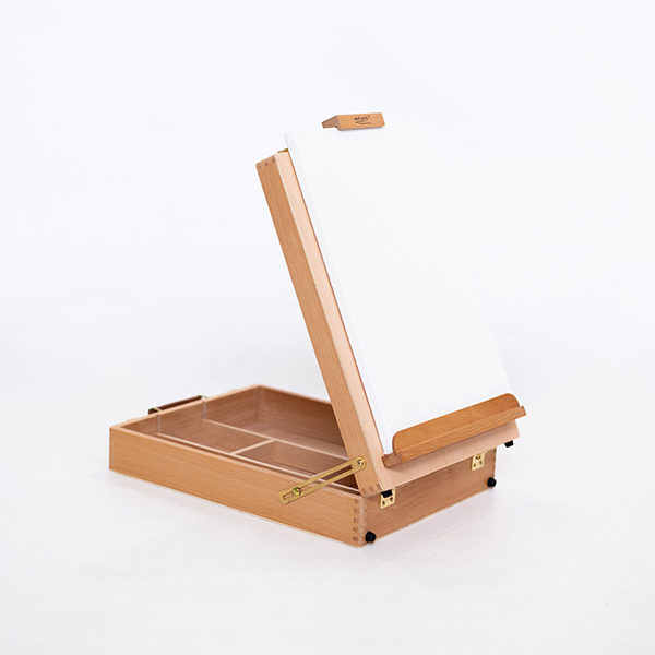 Mont-Marte-Tabletop-Beech-Box-Easel-Medium-Opened-Up-with-a-canvas-on-it