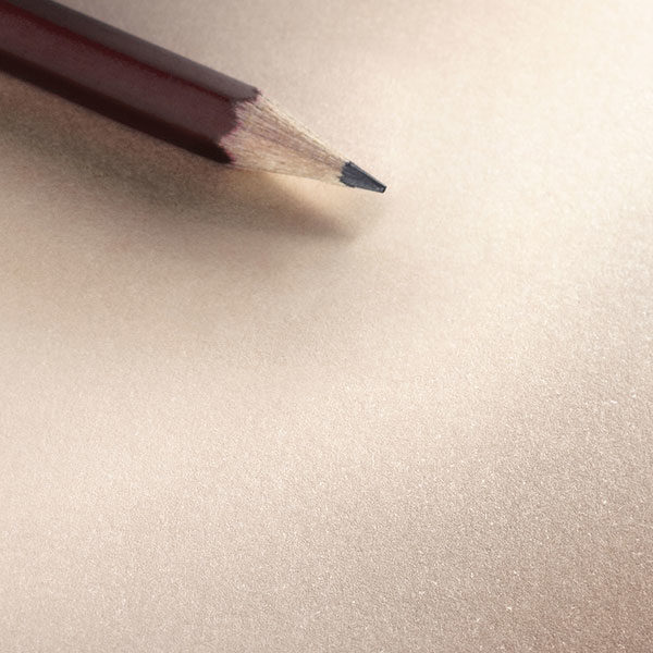 Hahnemuhle-The-Cappuccino-Book-Paper-&-Pencil-Closeup