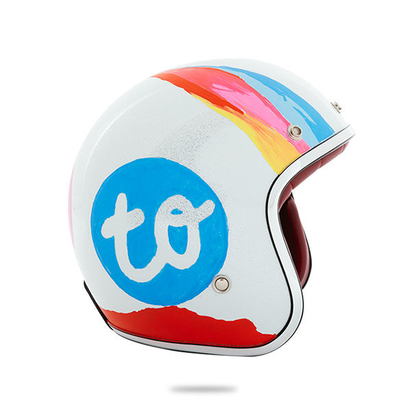 bike-helmet-that-was-drawn-on-with-Pilot-Pintor-Markers