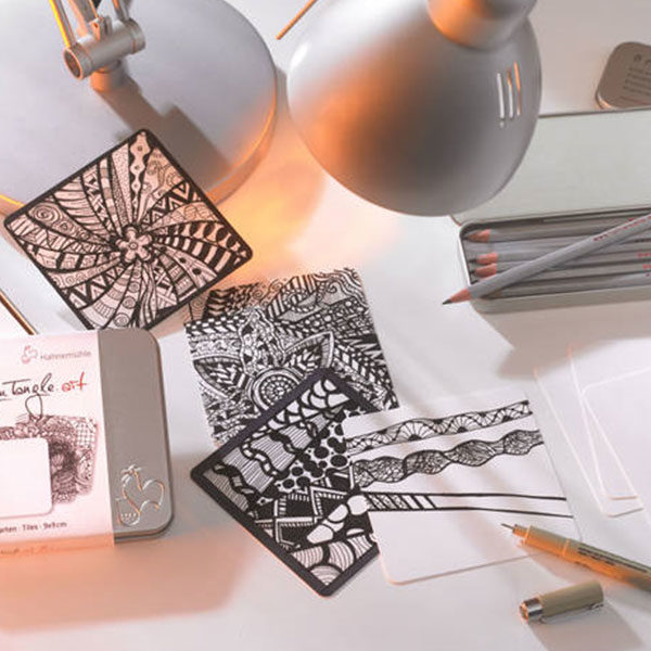 Hahnemühle-You-tangle-art-tin-paper-that-has-drawings-on-them-done-by-a-artist