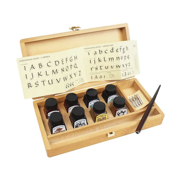 Winsor-&-Newton-Calligraphy-Wooden-Box-Set-open