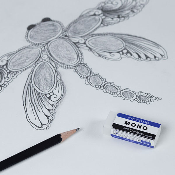 Tombow-Mono-Eraser-with-a-pencil-and-sketch