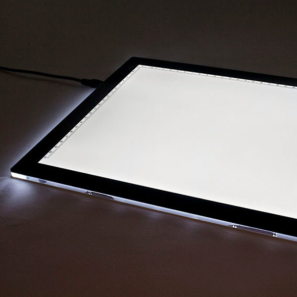 LED-Tracing-Light-Box-with-light-on