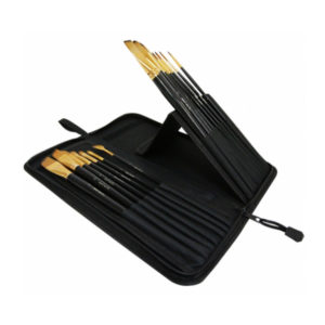Mont-Marte-Studio-Brush-Set-from-side-with-brushes-in-02