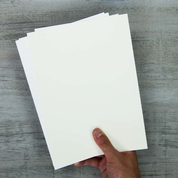 Fabriano-Artistico-Test-Pack Sheets hold in hand