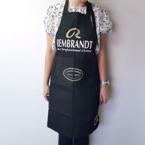 Royal-Talens-Rembrandt-Apron-front-view-being-worn-by-an-artist